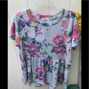 Oddy size large floral shirt sleeve top